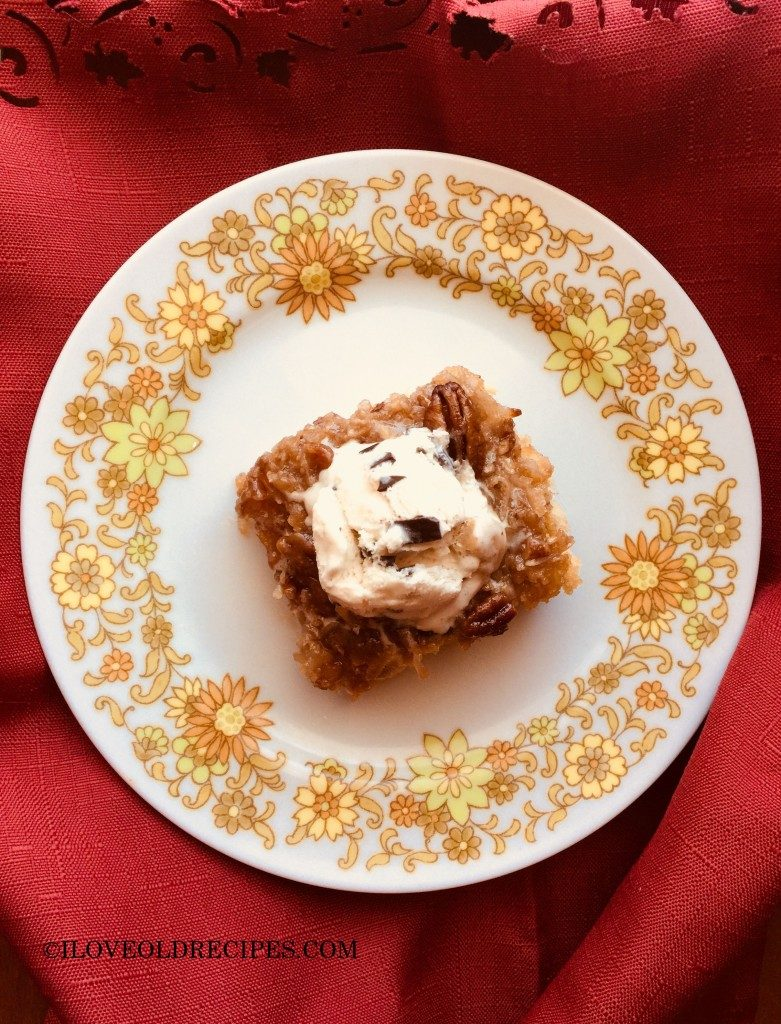 Lazy Daisy is an old-fashioned cake with the broiled chewy coconut pecan topping. - www.iloveoldrecipes.com